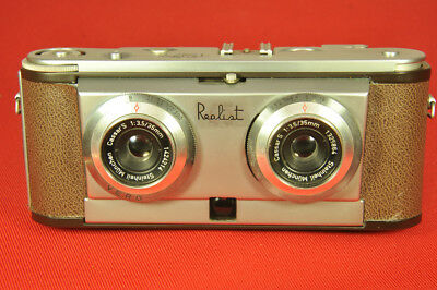 Stereo Realist 45. German made 35mm stereo camera w 35mm f/3.5 Cassar lenses