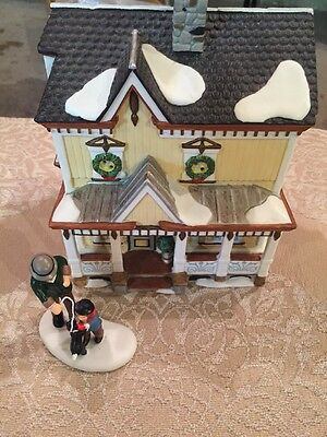 Department 56 New England Lakeshore Holiday House Village