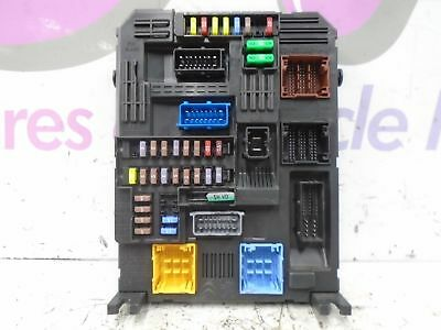 2017 Peugeot 3008 Active 1.6 Diesel Fuse Board / Box 2016-2018