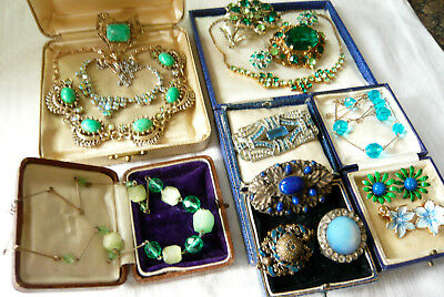 Large Mixed Job Lot Collection Of Vintage Brooches Necklaces Various Eras