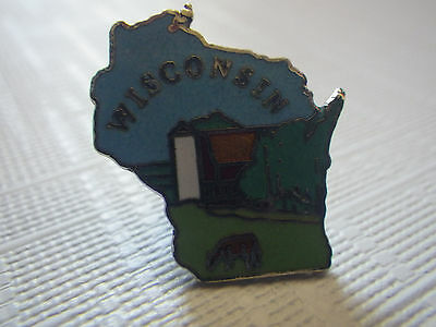 Wisconsin State Shaped pinback with Cow Dairy Farm