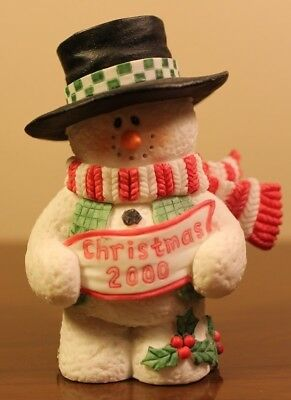 2000 Sarah's Attic Snowonders 7791 Christmas Snowman top hat scarf figurine red