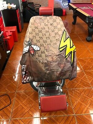 barber and stylist  cutting cape, amazing designs affordable price ,custom capes