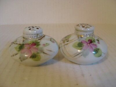 Vintage Pair Of Japanese Hand Painted Violets Porcelain Salt And Pepper Shakers