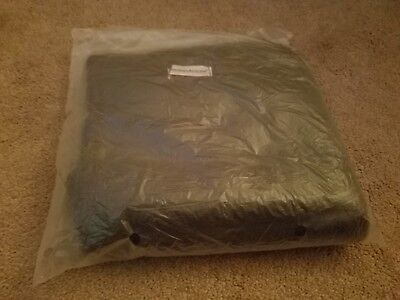 AMERICAN AIRLINES First Class Travel Blanket Duvet Horsfall NIP Gray White New
