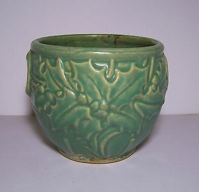 """Vintage small matte green early McCoy holly and berry jardiniere 5"""" Planter Pot"""