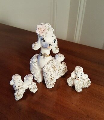 VTG LEFTON WHITE PORCELAIN SPAGHETTI FIGURINES Poodle Mother W/2 Pups