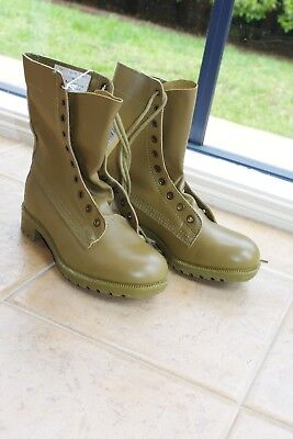 MENS 1990's AUSTRALIAN ARMY GP BOOTS BRAND NEW WITH TAGS SIZE 8H (8.5)  LEATHER