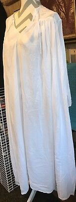 Vintage White Victorian Nightgown - Past time. Beautiful