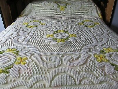 Vintage Chenille Bedspread Full/queen Yellow/white Flower Cotton 108 X 92