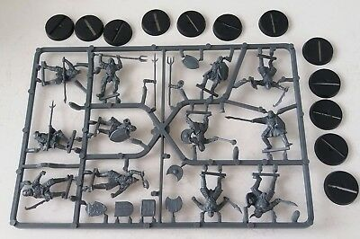 games workshop  Lord of the rings 12 plastic morannon orcs