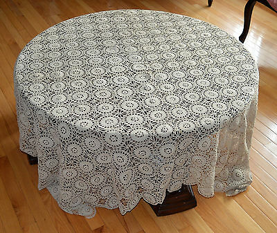 Beautiful Antique Hand Made Off White Crochet Lace Tablecloth Fillet Mandelas