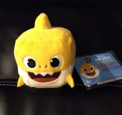 Pinkfong Yellow Baby Shark Singing Cube Plush in English - Brand New USA Seller