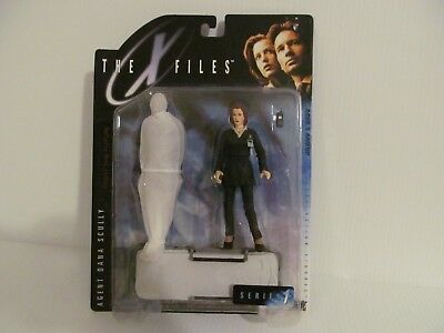 """The X-Files 1998 """"Fight The Future"""" Agent Dana Scully Action Figure -SEALED, NIP"""