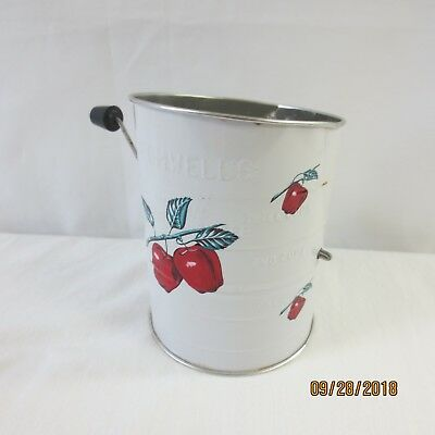 Vintage Bromwell's Measuring Sifter Apple Design 3 cup