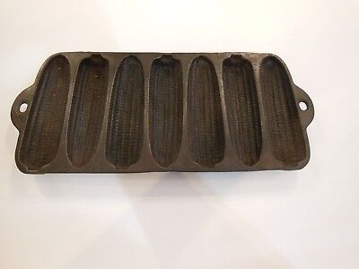 "Wagner Ware No 1319 Cast Iron Junior ""Krusty Korn Kobs"" Cornbread pan"