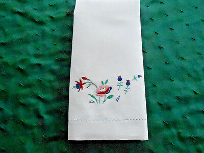 Beautiful White Linen Towel With Wonderful Flower  Hand Embroidery, Circa 1930