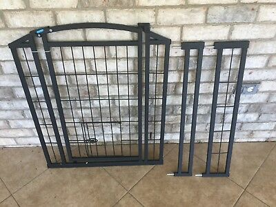 Carlson Pet Products 460 Outdoor Walk-Thru Pet Gate with Small Pet Door New