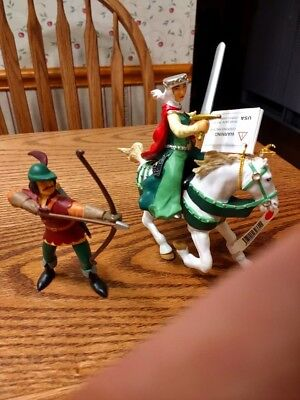 papo robin hood and maid marian and marians' horse