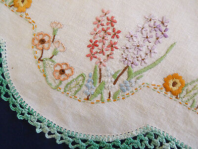 HYACINTHS & DAISIES Large Doily Hand Embroidered Table Centre VINTAGE