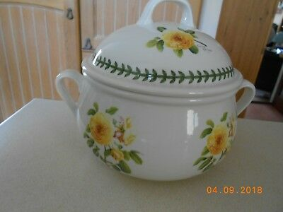 PORTMEIRION BOTANIC ROSES COVERED CASSEROLE DISH - 4 pint