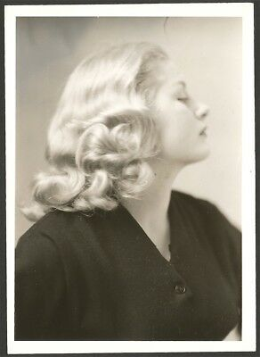 Vintage 1945 Charles Sheldon Breck Girl Shampoo Advertising Beauty Photograph NR
