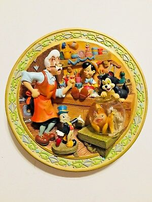 Disney 3D Pinocchio & Geppetto Relief Plate with COA #0883/10,000