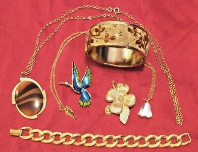 Mixed Lot of Vintage Jewelry Includes NAPIER, SARAH COV, GERRYS, AMWAY