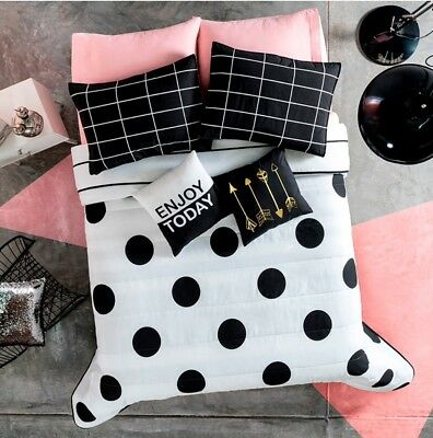 POLKA DOT BLACK AND WHITE REVERSIBLE COMFORTER SET  5 Pcs QUEEN SIZE