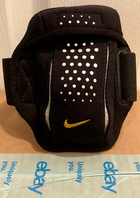 Nike Sports Armband For Cell Phone, Smartphone, MP3 or Wallet -Running Accessory