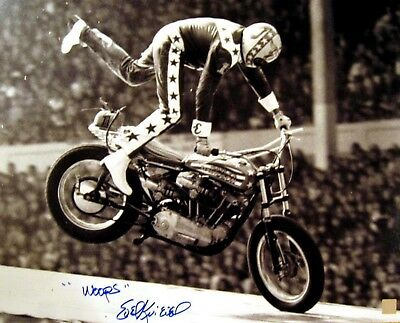 """EVEL KNIEVEL AUTOGRAPHED 8X10"""" PHOTO EVIL Daredevil The Most Broken Bones Woops"""