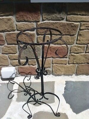 VTG. Wrought Iron Plant Stand 27in Tall Ornate Indoor Outdoor Patio Garden