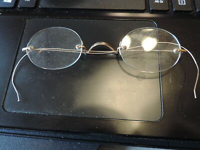 VINTAGE ANTIQUE WIRE EYE GLASSES Gold Tone by M.O.C.