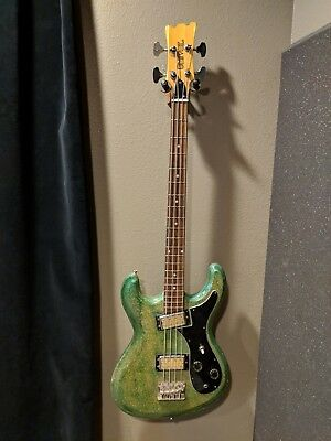 Univox Hi-Flier Bass Guitar, Vintage, Japan
