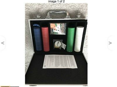 Poker Chips Set Aluminum Carrying Case 200 Piece Play Cards