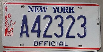1986 - 2000 New York NY Official License Plate A42323 Statue of Liberty