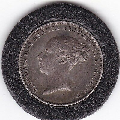 Sharp  1852  Queen  Victoria    Sixpence  (6d)  Silver  (92.5%)   Coin