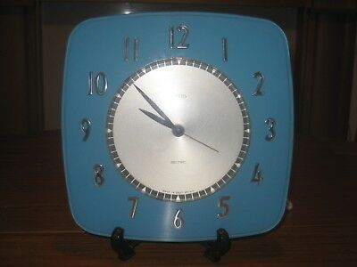 FINE WORKING RETRO SMITHS SECTRIC TURQUOISE WALL CLOCK 1960s