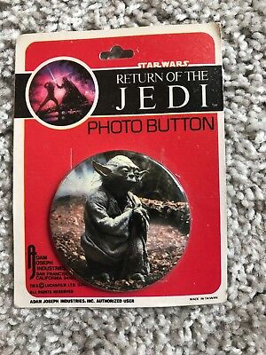 New Sealed Star Wars Yoda Return of the Jedi Photo Button Vintage 1983