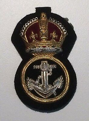 WW2 Royal Canadian Navy petty officer peaked cap badge w/ makers mark