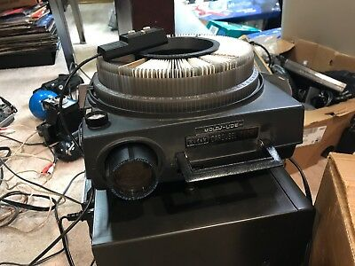 Vintage Kodak Carousel 750H 35mm Slide Projector W/ Remote & 140 Tray And Box