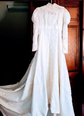 Vintage Victorian Ivory Alencon Lace Wedding Dress, Long Sleeves Train Size S/M