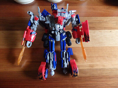 Optimus Prime Transformer- Battle Blade, Hunt for Decepticon Voyager.
