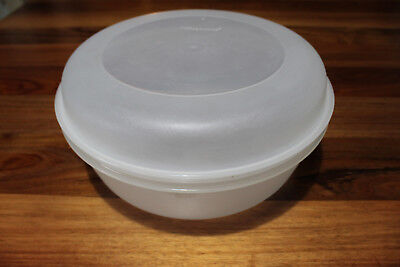 LargeTupperware Storage Container .Clear base and lid . Two piece.. 3 litre.