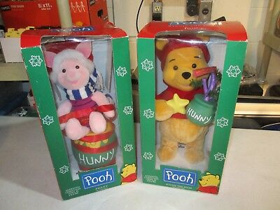 "Winnie The Pooh Animated Christmas Display ""piglet"" And Pooh Figures"