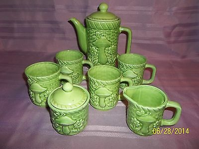 9 Piece Vintage Tea Pot and Tea Cups and Creamer/ Sugar Made in Japan
