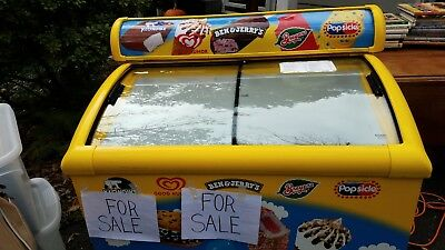 USED--NOVELTY TOP ICE CREAM COMMERCIAL FREEZER CHEST W/CASTERS, awesome, & clean