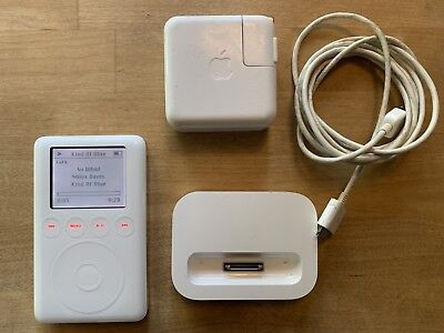 Apple iPod classic 3rd Gen (10 GB) with dock