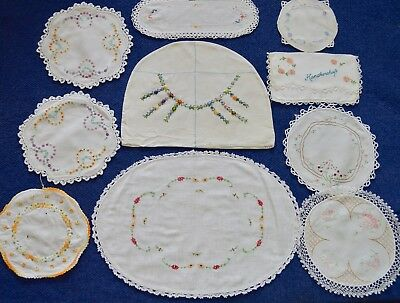 VINTAGE Hand Embroidered 'LAZY DAISY' stitch Collection Mats doilies 10 Items