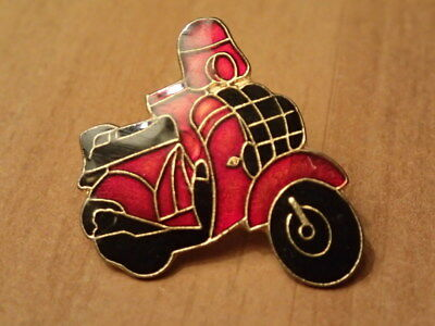 Vintage Hat/Lapel Pin/Pinback-FRENCH MODS SCOOTER-Red And Black-ENAMEL